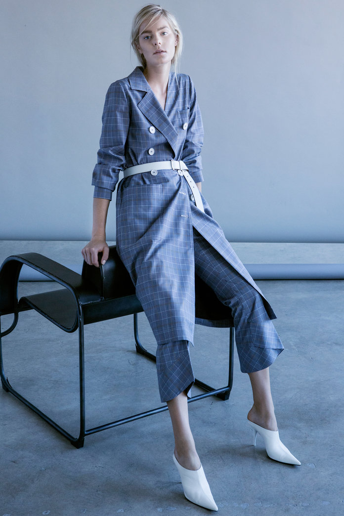 nyfw-new-york-fashion-week-blogger-report-spring-summer-2018-fashionista-trends-names-infuencers-moments-models-september-puffy-sleeves-slouchy-trouser-suits-rodriguez-instyle.jpg