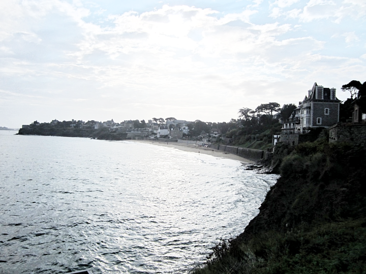 france-bretagne-brittany-beach-dinard-travel-blogger-fashion-belgian-photo-diary-maree-haute.png