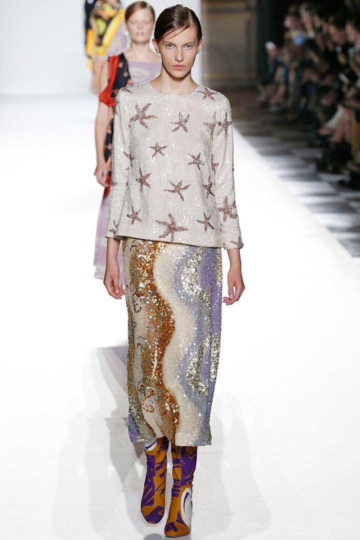 paris-fashion-week-pfw-spring-summer-2018-ss18-logo-report-trend-blogger-fashionista-belgian-sequins.jpeg