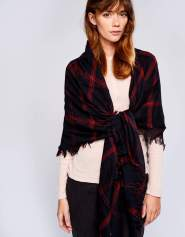 The Sabin scarf (Photo Credit: Bellerose)