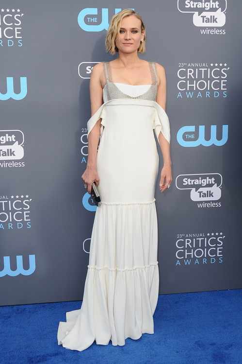 crtics-choice-awards-season-black-times-up-2018-feminist-equality-best-dressed-red-carpet-look-gorgeous-beautiful-actress-talented-strong-women-diane-kruger-vera-wang-messika.jpg