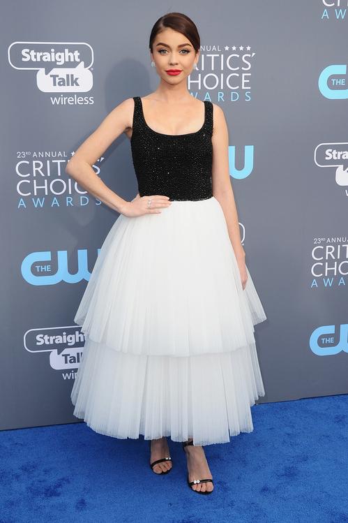 crtics-choice-awards-season-black-times-up-2018-feminist-equality-best-dressed-red-carpet-look-gorgeous-beautiful-actress-talented-strong-women-sarah-hyland-naeem-khan.jpg