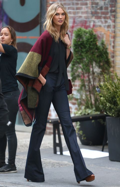 how-to-dress-work-appropriately-pinterest-sweater-weather-skirt-tights-long-coat-warm-cosy-fashion-blogger-stylish-black-denim-flared-pants-poncho-karlie-kloss