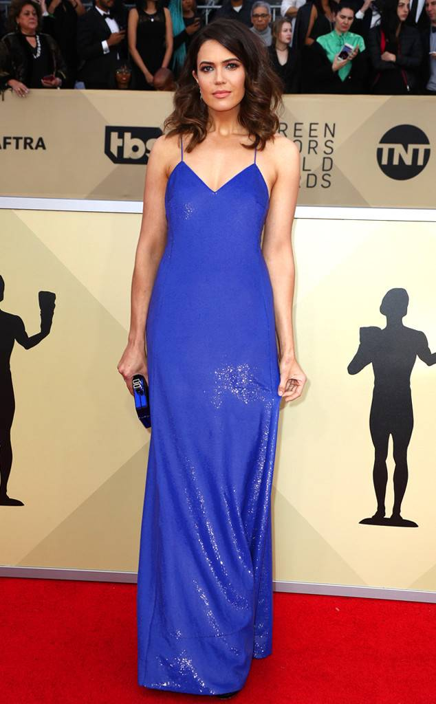 sag-awards-2018-red-carpet-fashion-blogger-celebrity-gowns-haute-couture-gorgeous-actresses-talented-hollywood-mandy-moore-ralph-lauren.jpg