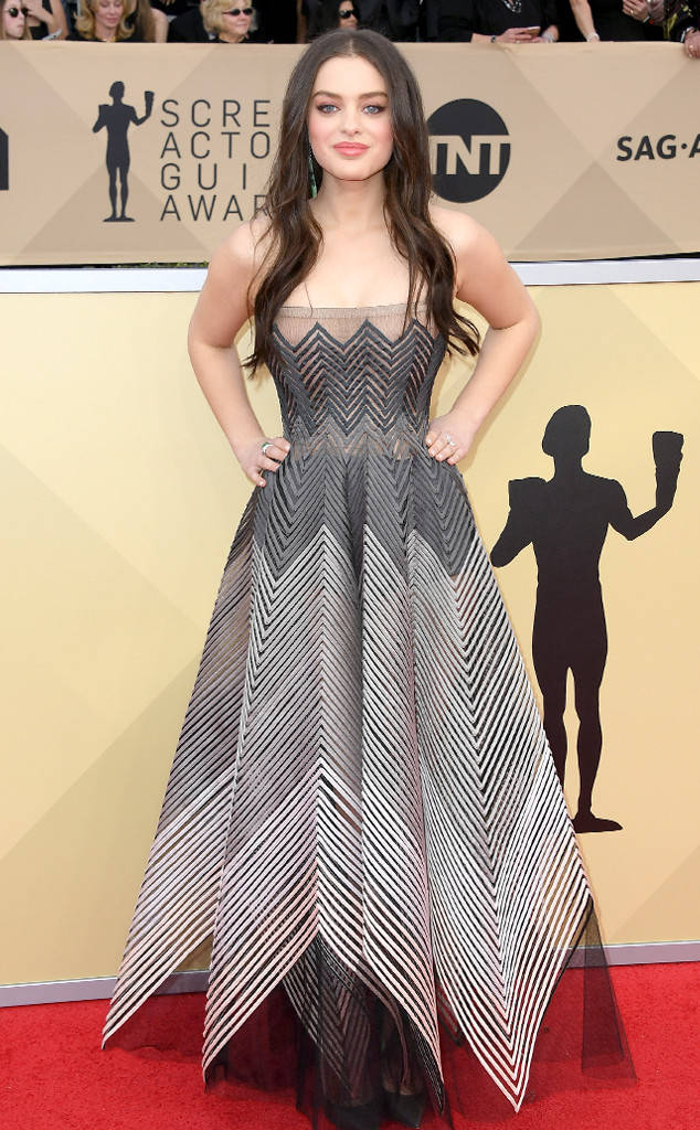 sag-awards-2018-red-carpet-fashion-blogger-celebrity-gowns-haute-couture-gorgeous-actresses-talented-hollywood-odeya-rush-dior.jpg