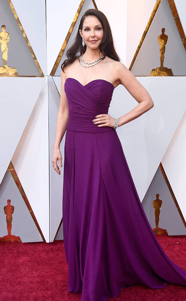 oscars-2018-academy-awards-red-carpet-best-dressed-celebrity-style-fashion-actresses-haute-couture-gorgeous-arrivals-glamour-hollywood-ashley-judd-badgley-mischka