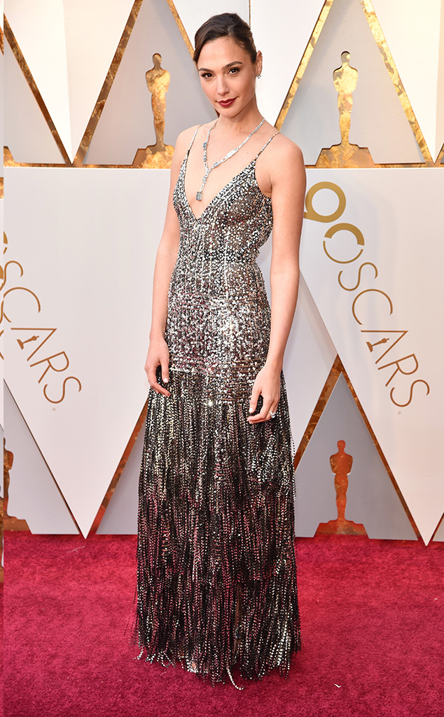oscars-2018-academy-awards-red-carpet-best-dressed-celebrity-style-fashion-actresses-haute-couture-gorgeous-arrivals-glamour-hollywood-gal-gadot-givenchy