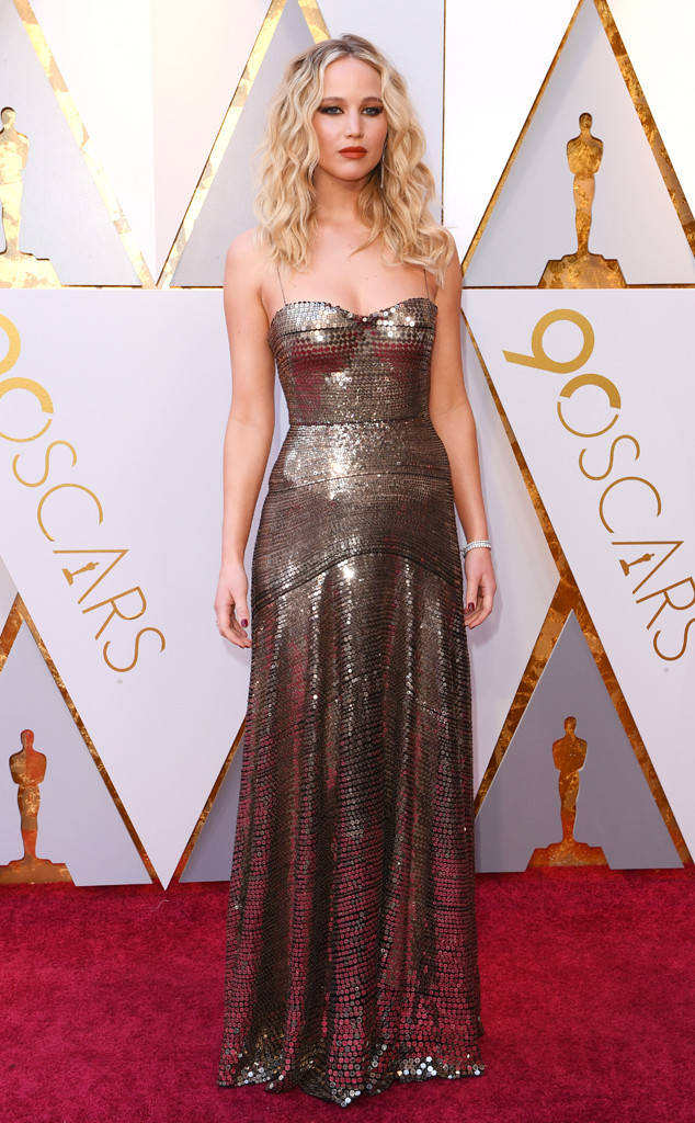 oscars-2018-academy-awards-red-carpet-best-dressed-celebrity-style-fashion-actresses-haute-couture-gorgeous-arrivals-glamour-hollywood-jennifer-lawrence-dior