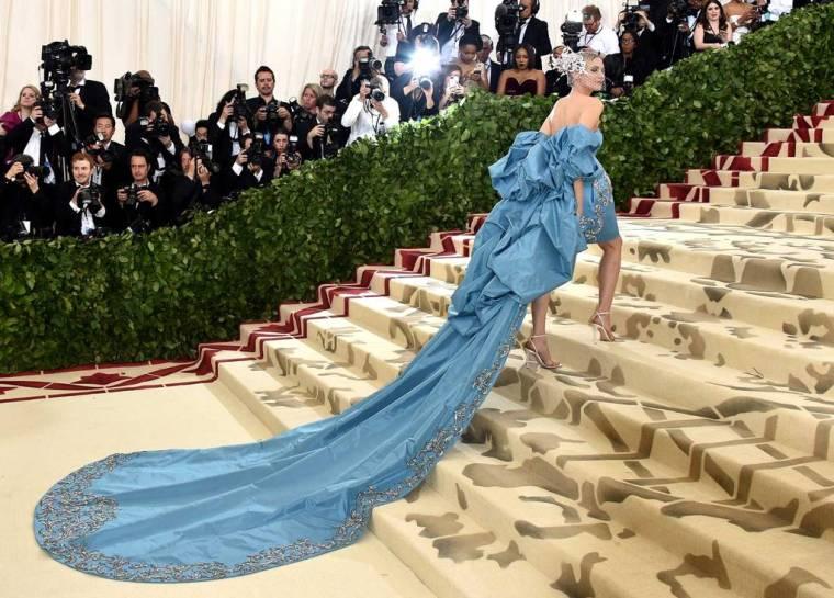 met-gala-2018-best-dressed-costume-institute-new-york-metropolitan-museum-art-heavenly-body-fashion-catholic-imagination-vogue-diane-kruger-prabal-gurung.jpg