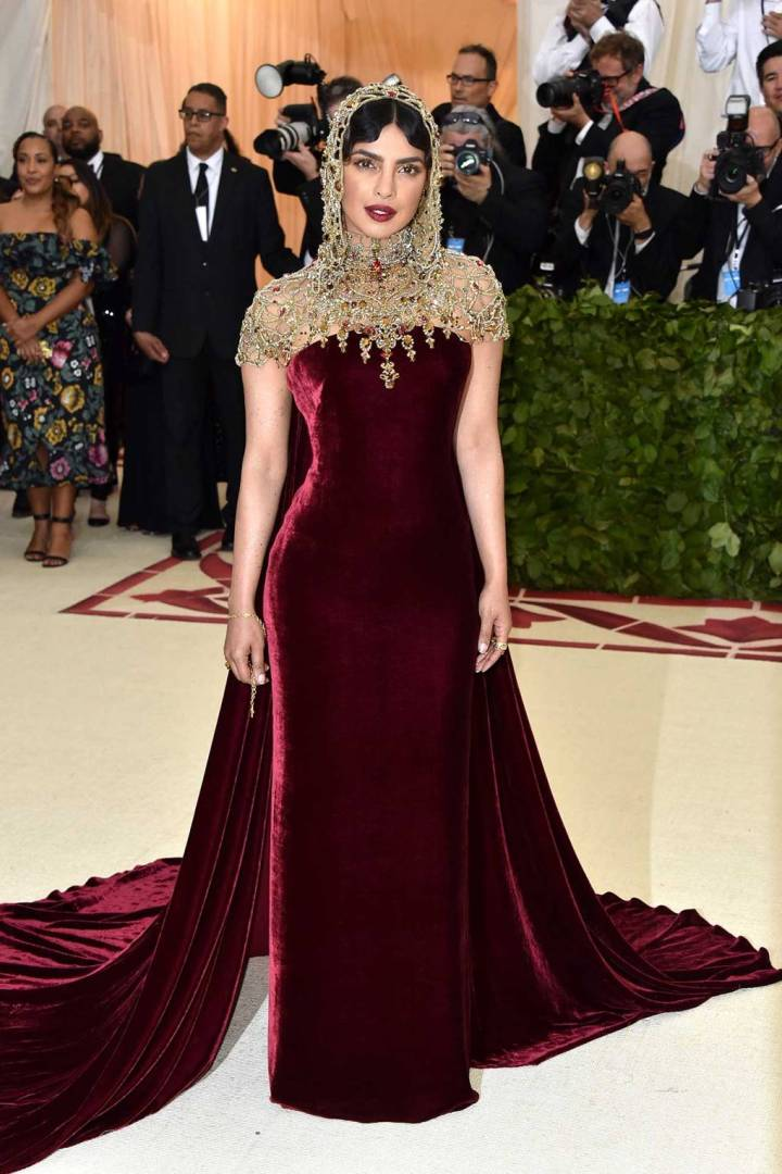met-gala-2018-best-dressed-costume-institute-new-york-metropolitan-museum-art-heavenly-body-fashion-catholic-imagination-vogue-priyanka-chopra-ralph-lauren.jpg