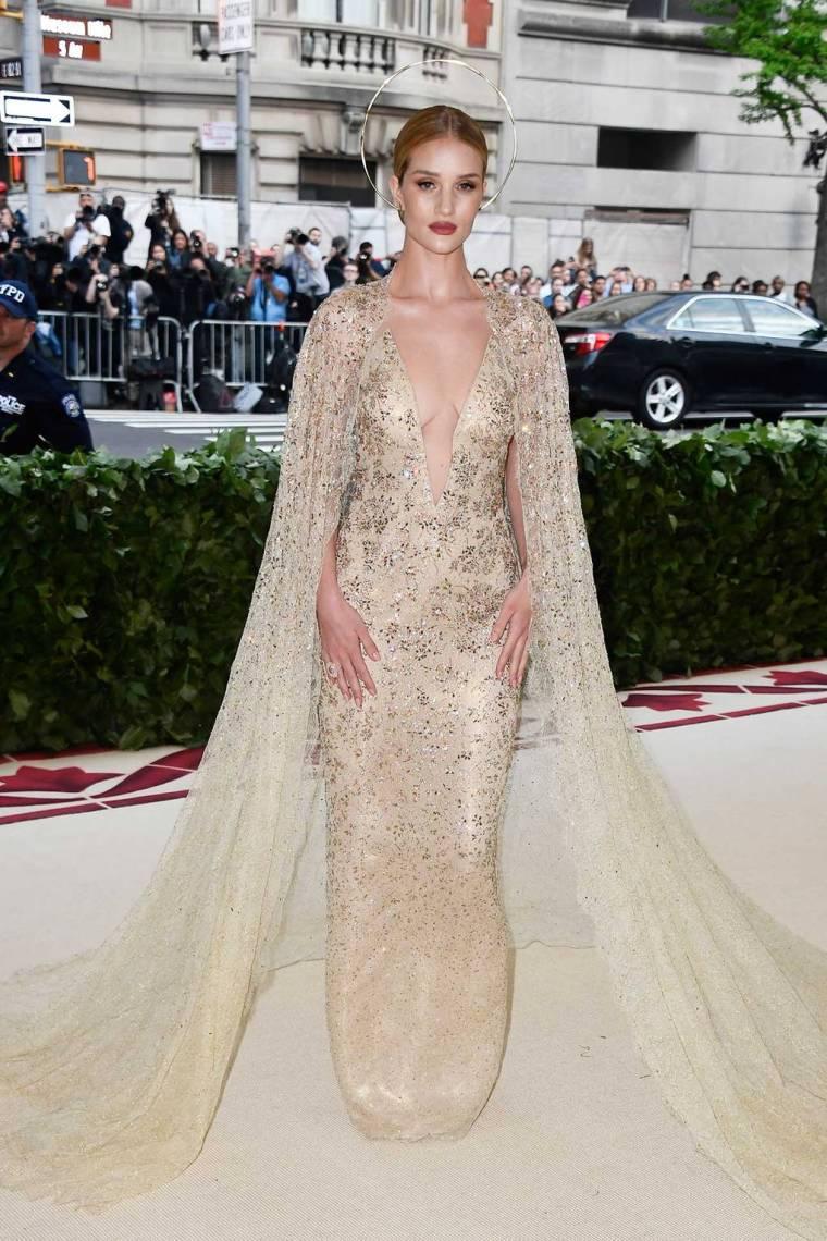met-gala-2018-best-dressed-costume-institute-new-york-metropolitan-museum-art-heavenly-body-fashion-catholic-imagination-vogue-rosie-huntington-whiteley-ralph-lauren.jpg