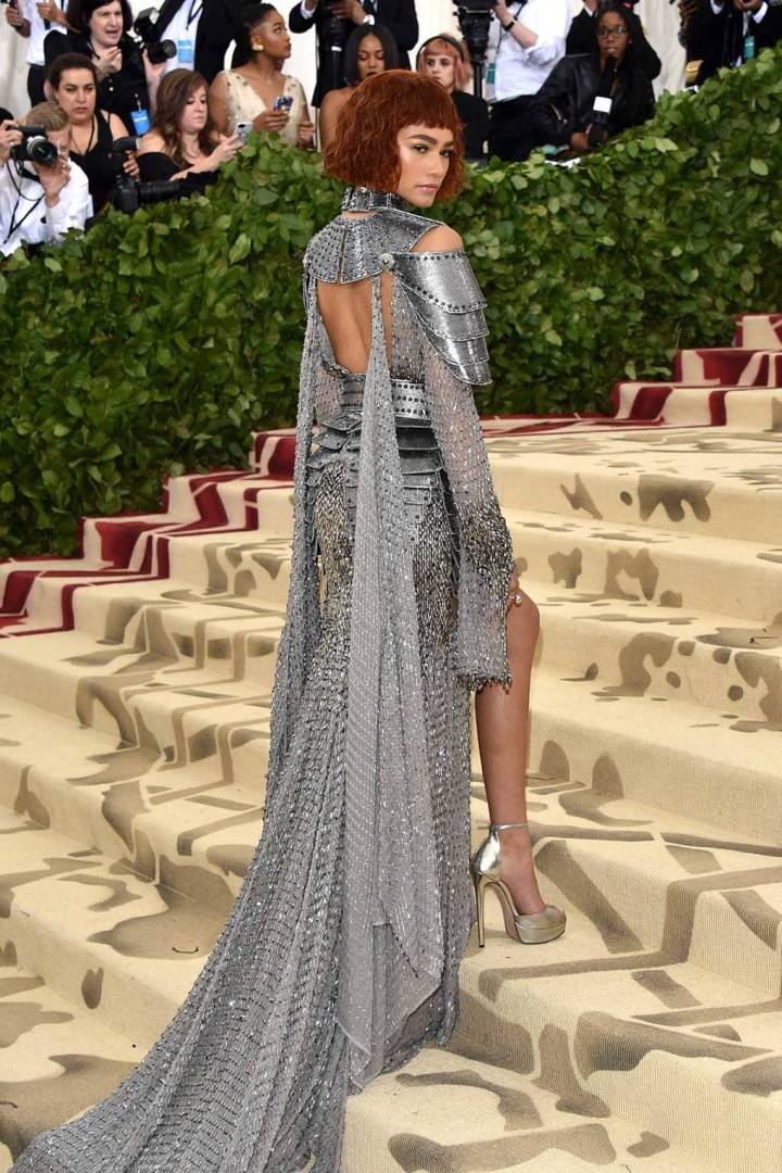 met-gala-2018-best-dressed-costume-institute-new-york-metropolitan-museum-art-heavenly-body-fashion-catholic-imagination-vogue-zendaya-versace-tiffany&co -jewellery.jpg