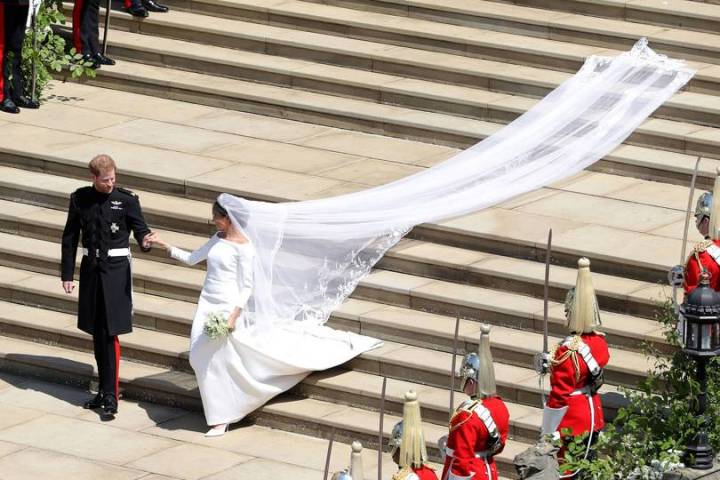 royal-wedding-prince-harry-meghan-markle-fairytale-british-family-windsor-castle-vogue-givenchy-clare-waight-keller-dress-duchess-duke-susses.jpg