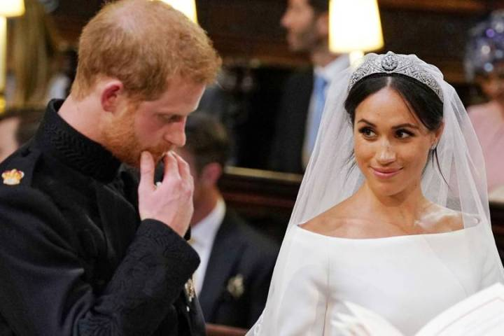 royal-wedding-prince-harry-meghan-markle-fairytale-british-family-windsor-castle-vogue-givenchy-clare-waight-keller-dress-duke-duchess-sussex-loving-gaze.jpg