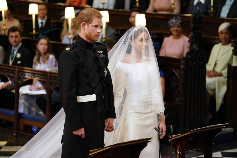 royal-wedding-prince-harry-meghan-markle-fairytale-british-family-windsor-castle-vogue-givenchy-clare-waight-keller-dress-high-altar.jpg