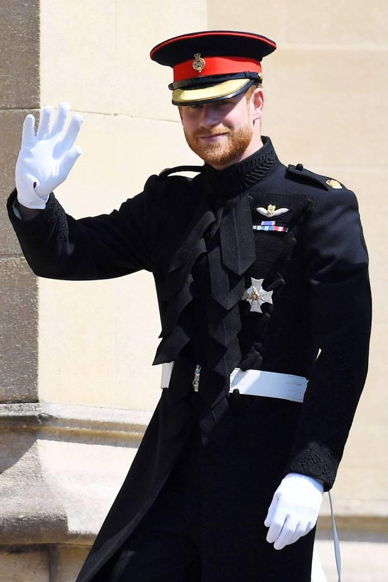 royal-wedding-prince-harry-meghan-markle-fairytale-british-family-windsor-castle-vogue-military.jpg