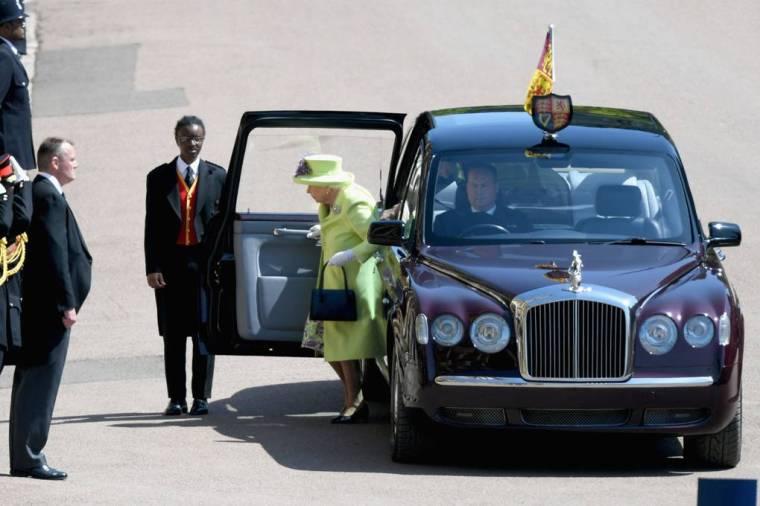 royal-wedding-prince-harry-meghan-markle-fairytale-british-family-windsor-castle-vogue-queen-elizabeth.jpg