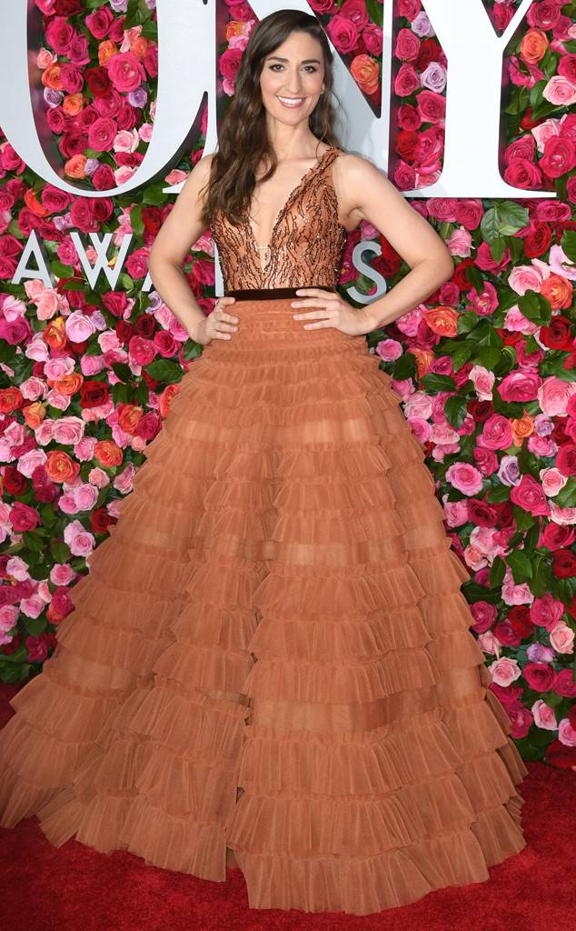 tony-awards-2018-red-carpet-arrivals-fashion-blogger-webzine-blogzine-celebrity-style-actrors-theater-live-eonline-sara-bareilles.jpg