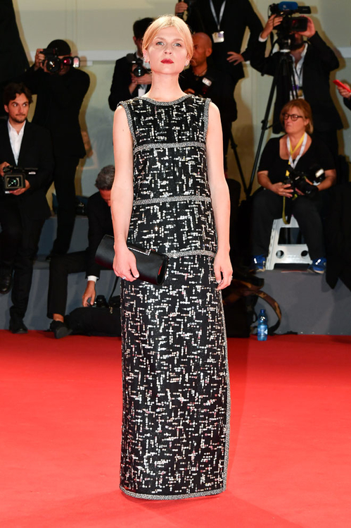 mostra-de-venise-filfestival-2018-red-carpet-fashion-best-dressed-gowns-awards-season-style-clemence-poesy.jpg