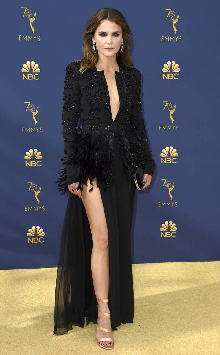 the-emmys-2018-red-carpet-fashion-best-dressed-gowns-awards-season-style-eonline-keri-russel-zuhair-murad.jpg