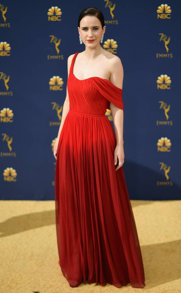 the-emmys-2018-red-carpet-fashion-best-dressed-gowns-awards-season-style-eonline-rachel-brosnahan-oscar-de-la-renta.jpg
