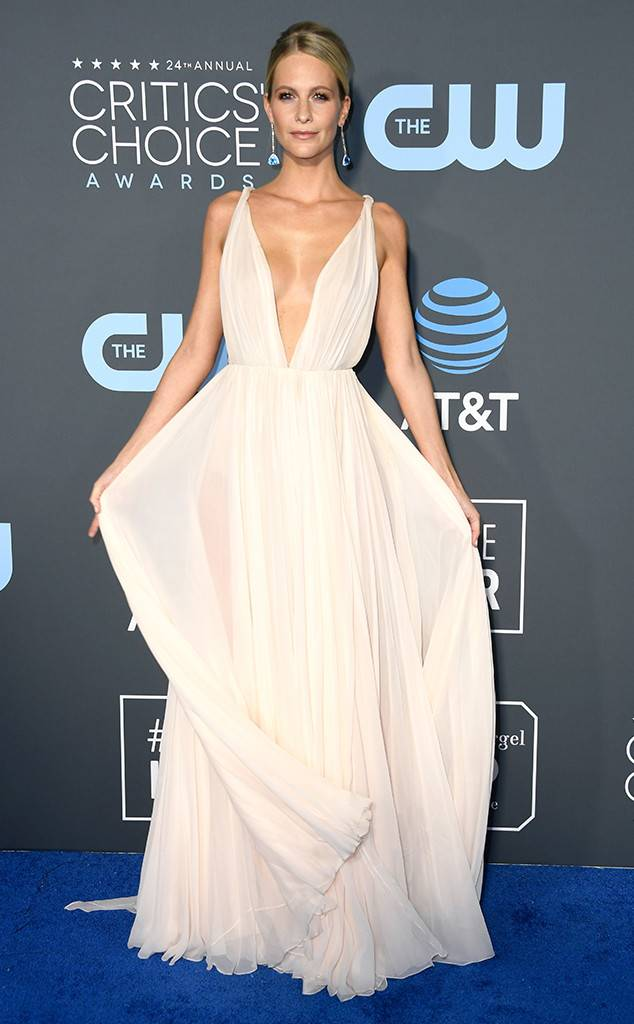 critics-choice-awards-2019-red-carpet-fashion-guilty-pleasure-movie-TV-star-celebrity-awards-season-eonline-poppy-delevingne.jpg