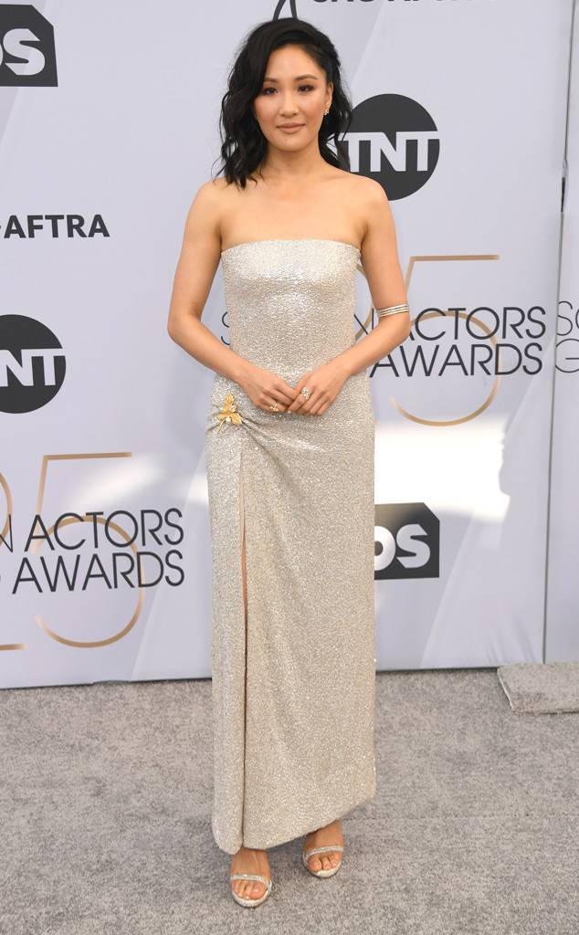 sag-awards-2019-red-carpet-awards-season-screen-actors-guild-best-dressed-eonline-constance-wu-oscar-de-la-renta-harry-winstons-diamonds.jpg