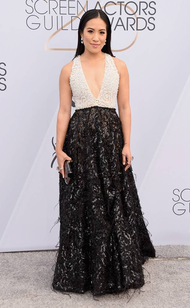 sag-awards-2019-red-carpet-awards-season-screen-actors-guild-best-dressed-eonline-melissa-tang-le-vian-narcisa-pheres-jewelry.jpg