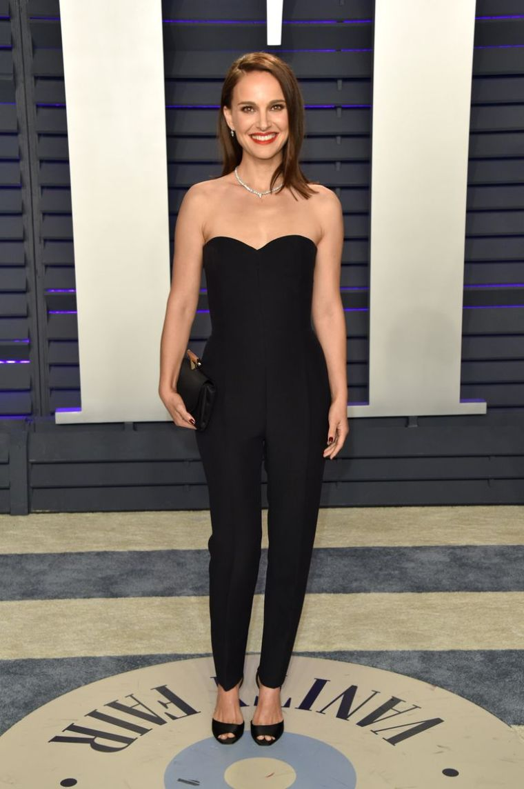 elle-vanity-fair-party-oscars-academy-awards-2019-red-carpet-arrivals-glamour-movie-star-celebrities-fashion-natalie-portman.jpg