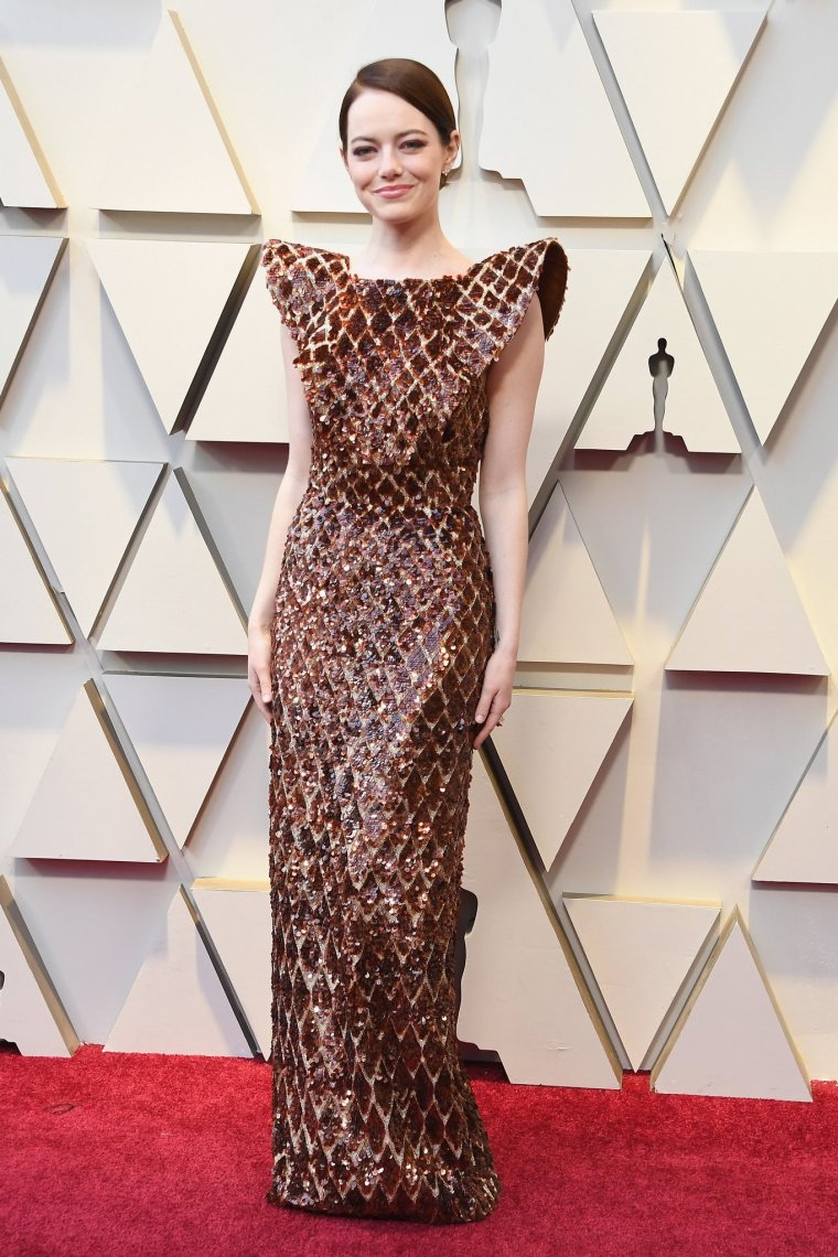 oscars-academy-awards-2019-red-carpet-arrivals-glamour-movie-star-celebrities-fashion-emma-stone-louis-vuitton.jpg