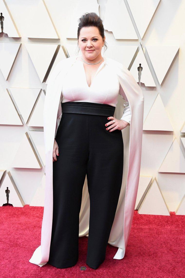 oscars-academy-awards-2019-red-carpet-arrivals-glamour-movie-star-celebrities-fashion-melissa-mccarthy-brandon-maxwell.jpg