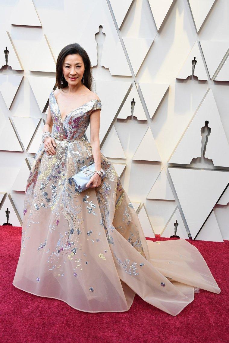 oscars-academy-awards-2019-red-carpet-arrivals-glamour-movie-star-celebrities-fashion-michelle-yeoh-elie-saab.jpg