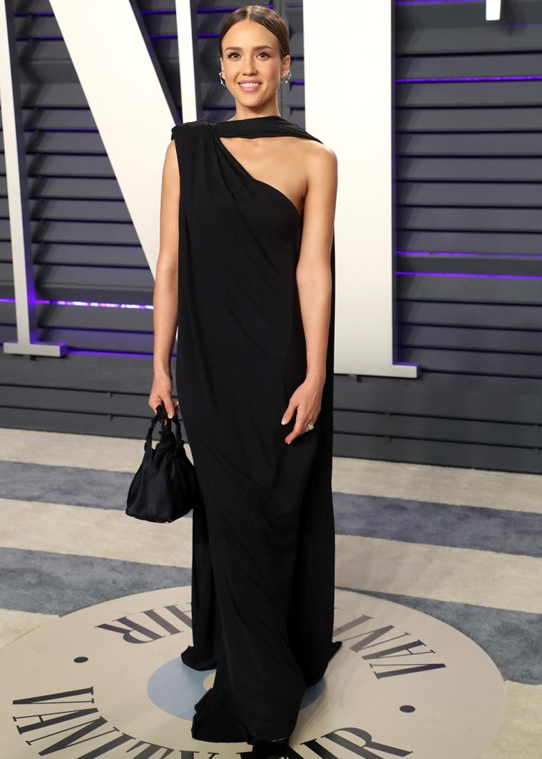 vanity-fair-party-oscars-academy-awards-2019-red-carpet-arrivals-glamour-movie-star-celebrities-fashion-jessica-alba.jpg