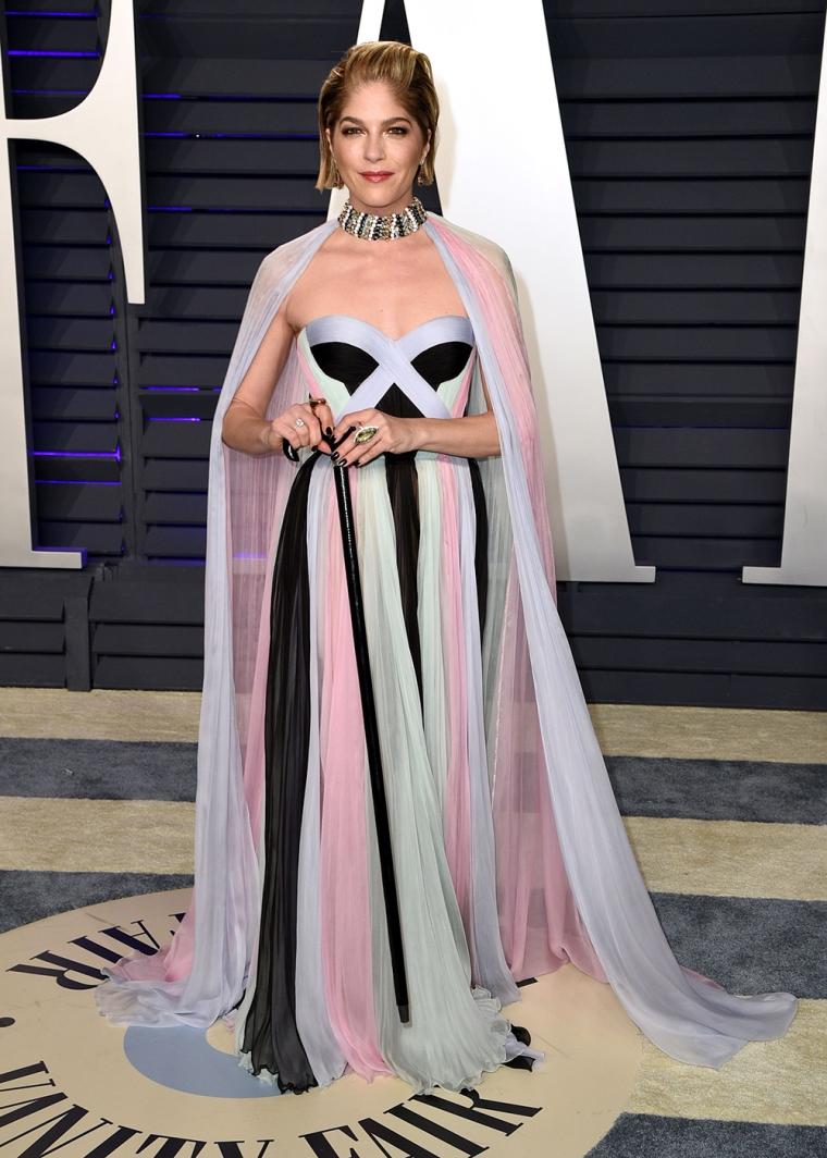 vanity-fair-party-oscars-academy-awards-2019-red-carpet-arrivals-glamour-movie-star-celebrities-fashion-selma-blair.jpg